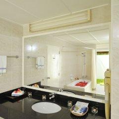 Отель Holiday Island Resort & Spa ванная фото 2