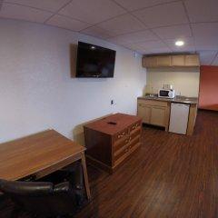 Отель Motel 6 Elizabeth - Newark Liberty Intl Airport США, Элизабет - отзывы, цены и фото номеров - забронировать отель Motel 6 Elizabeth - Newark Liberty Intl Airport онлайн удобства в номере фото 2