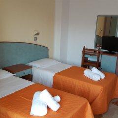 Hotel Ariosto сейф в номере