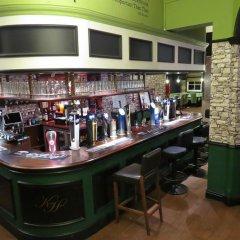 Отель The Kings Head гостиничный бар