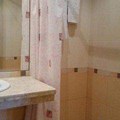 Отель Chakarova Guest House Болгария, Сливен - отзывы, цены и фото номеров - забронировать отель Chakarova Guest House онлайн ванная фото 2