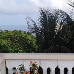 Отель Fay's Bed and Breakfast балкон