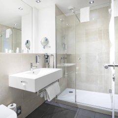 Select Hotel Berlin The Wall ванная
