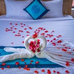 Отель Minh An Riverside Villa сейф в номере