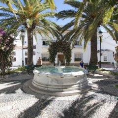 Отель Apartamentos La Fonda бассейн фото 2
