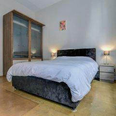 Отель Bright, Spacious 2BR Central Manchester Flat for 4 комната для гостей