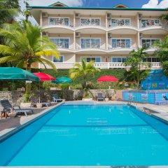 Отель Patong Rai Rum Yen Resort бассейн