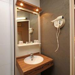 Отель Kyriad Hotel Lyon Centre Croix Rousse Франция, Лион - отзывы, цены и фото номеров - забронировать отель Kyriad Hotel Lyon Centre Croix Rousse онлайн ванная фото 2