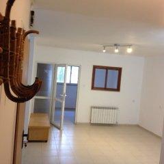 HeKhaluts Apartment Израиль, Иерусалим - отзывы, цены и фото номеров - забронировать отель HeKhaluts Apartment онлайн комната для гостей фото 5