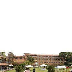 Отель Shangri La Hotel Непал, Катманду - отзывы, цены и фото номеров - забронировать отель Shangri La Hotel онлайн парковка
