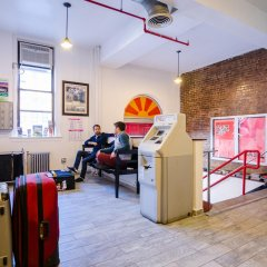 Отель Jazz On The Park Hostel США, Нью-Йорк - 1 отзыв об отеле, цены и фото номеров - забронировать отель Jazz On The Park Hostel онлайн спортивное сооружение