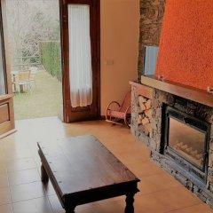 Отель Apartamentos Rurales Les Barnedes Испания, Мольо - отзывы, цены и фото номеров - забронировать отель Apartamentos Rurales Les Barnedes онлайн комната для гостей фото 4
