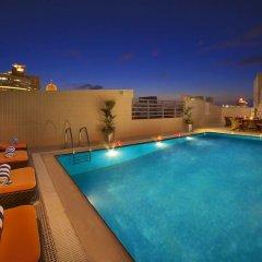 Landmark Grand Hotel бассейн
