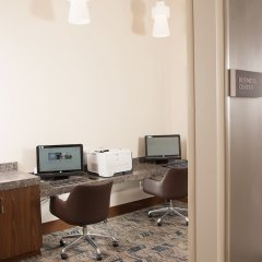 Отель Embassy Suites Bloomington Блумингтон сейф в номере