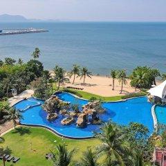 Отель White Sand Beach Residences Pattaya пляж