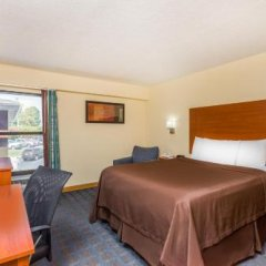 Отель Howard Johnson Express Inn Spartanburg - Expo Center