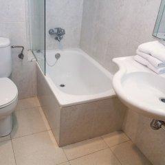 Отель Apartamentos Los Peces Rentalmar Испания, Салоу - 1 отзыв об отеле, цены и фото номеров - забронировать отель Apartamentos Los Peces Rentalmar онлайн ванная