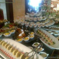 Crowne Plaza Hotel Antalya Турция, Анталья - 10 отзывов об отеле, цены и фото номеров - забронировать отель Crowne Plaza Hotel Antalya онлайн питание фото 2