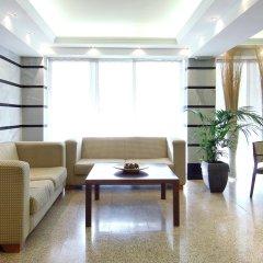 Отель Leonardo Hotel Granada Испания, Гранада - отзывы, цены и фото номеров - забронировать отель Leonardo Hotel Granada онлайн интерьер отеля
