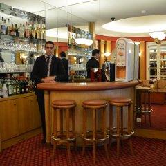 Отель Royal Elysées Франция, Париж - 3 отзыва об отеле, цены и фото номеров - забронировать отель Royal Elysées онлайн гостиничный бар
