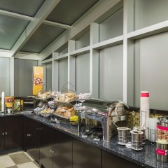 Отель Hampton Inn Manhattan/Times Square South США, Нью-Йорк - отзывы, цены и фото номеров - забронировать отель Hampton Inn Manhattan/Times Square South онлайн питание