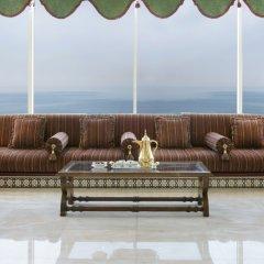 Отель Ramada Beach Аджман интерьер отеля фото 2