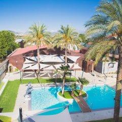 Отель Camino de Granada бассейн