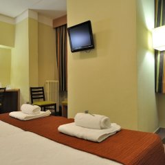 Отель Hostal Ballesta Испания, Мадрид - 3 отзыва об отеле, цены и фото номеров - забронировать отель Hostal Ballesta онлайн удобства в номере фото 2