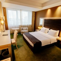 Отель Holiday Inn Belgrade, an IHG Hotel Сербия, Белград - отзывы, цены и фото номеров - забронировать отель Holiday Inn Belgrade, an IHG Hotel онлайн комната для гостей фото 5
