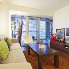 Апартаменты You Stylish Beach Apartments комната для гостей фото 2