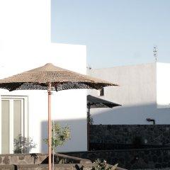 Отель Alafropetra Luxury Suites Греция, Остров Санторини - отзывы, цены и фото номеров - забронировать отель Alafropetra Luxury Suites онлайн приотельная территория фото 2