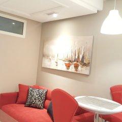 Отель RENT-INN Suites Hôtel гостиничный бар