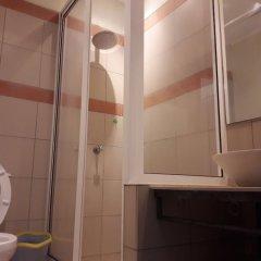 Отель Downtown Marginal Guest House ванная фото 2