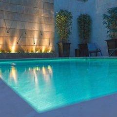 Отель Amador De Los Rios бассейн
