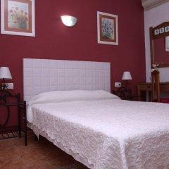 Отель Hostal Los Montes комната для гостей фото 2