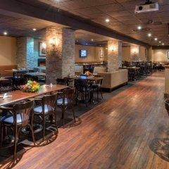 Отель The Strathcona Hotel Канада, Торонто - отзывы, цены и фото номеров - забронировать отель The Strathcona Hotel онлайн гостиничный бар