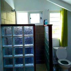 Отель Le Fare Iris Французская Полинезия, Муреа - отзывы, цены и фото номеров - забронировать отель Le Fare Iris онлайн ванная
