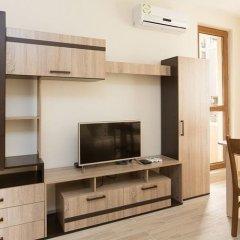 Апартаменты Alexandrovi Apartment in Cascadas Complex Солнечный берег комната для гостей фото 3