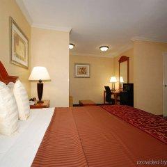 Отель Best Western Hollywood Plaza Inn США, Лос-Анджелес - отзывы, цены и фото номеров - забронировать отель Best Western Hollywood Plaza Inn онлайн ванная