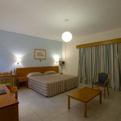 Отель Kefalos Damon Hotel Apartments Кипр, Пафос - отзывы, цены и фото номеров - забронировать отель Kefalos Damon Hotel Apartments онлайн комната для гостей фото 4