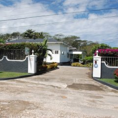 Отель Eslyn Villa Ямайка, Ранавей-Бей - отзывы, цены и фото номеров - забронировать отель Eslyn Villa онлайн парковка