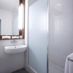 Отель Campanile Lyon Centre - Gare Part Dieu Франция, Лион - отзывы, цены и фото номеров - забронировать отель Campanile Lyon Centre - Gare Part Dieu онлайн ванная фото 2