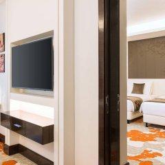 Radisson Blu Hotel, Ajman сейф в номере