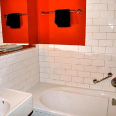 Отель Mauro Mansion Нидерланды, Амстердам - отзывы, цены и фото номеров - забронировать отель Mauro Mansion онлайн ванная фото 2