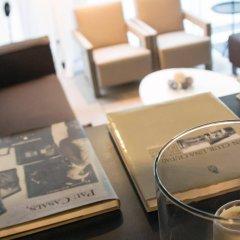 Pol & Grace Hotel интерьер отеля