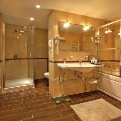 Отель Kempinski Hotel Grand Arena Болгария, Банско - 2 отзыва об отеле, цены и фото номеров - забронировать отель Kempinski Hotel Grand Arena онлайн ванная