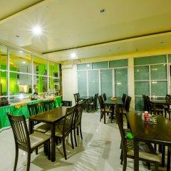 Отель Anantra Pattaya Resort by CPG питание