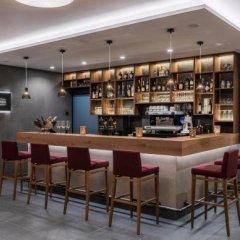 Отель Eden am Reschensee Италия, Горнолыжный курорт Ортлер - отзывы, цены и фото номеров - забронировать отель Eden am Reschensee онлайн гостиничный бар