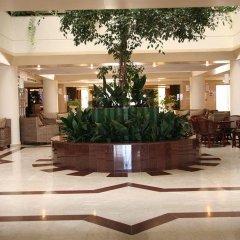 Queen's Bay Hotel интерьер отеля фото 3
