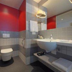 Отель Radisson Blu Hotel Zurich Airport Швейцария, Цюрих - 1 отзыв об отеле, цены и фото номеров - забронировать отель Radisson Blu Hotel Zurich Airport онлайн ванная